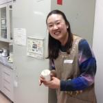 1韓国人のアルミンを招いて、英語で韓国のお菓子作りにみんなで挑戦♫